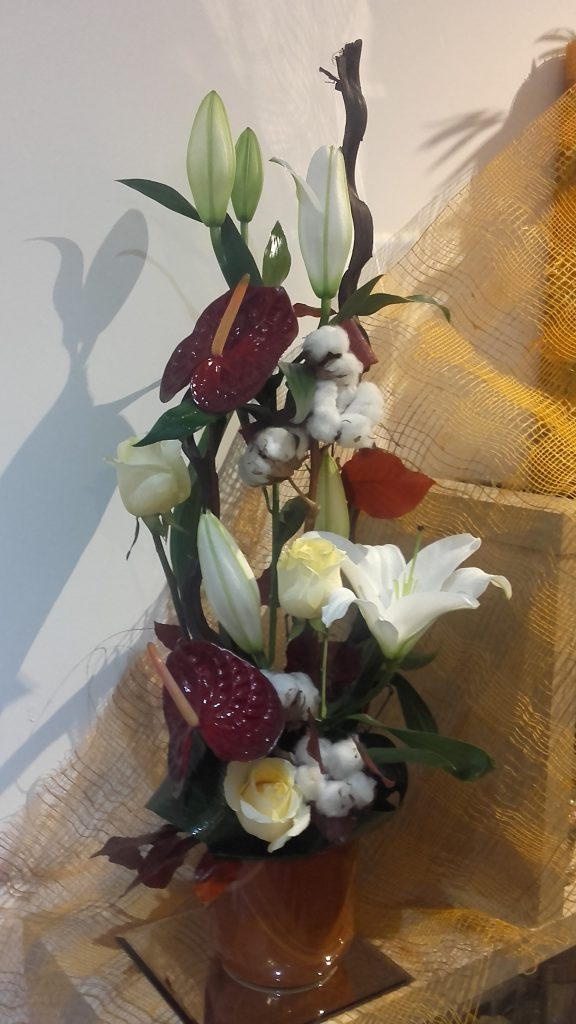 composition florale en direct au meilleur prix qualit fleuriste. Black Bedroom Furniture Sets. Home Design Ideas